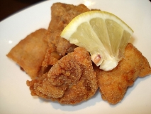 Pollo frito marinado (Tori kara-age)