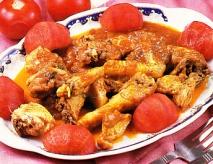 Pollo salteado con tomate