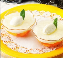 Postre de queso fresco y albaricoques