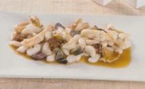 Ragoût de pepinos de mar con judías del ganxet