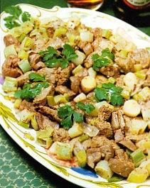 Riñón e hígado de ternera con cebolletas