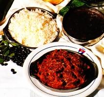 Receta de Ropa vieja con arroz blanco y fríjoles negros