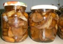 Rovellones en conserva con aceitunas