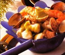 Salpicón de pescado con crema de guisantes
