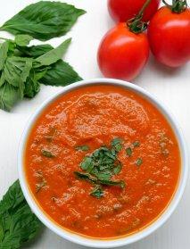 Salsa de tomate y albahaca