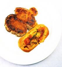 Solomillo de cerdo con alioli de miel y sobrasada