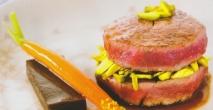 Solomillo de ternera, con pasas, pistachos y zanahoria
