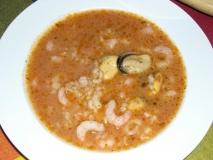Sopa de arroz con gambas y mejillones