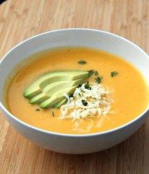 Sopa de ocas con queso y aguacate