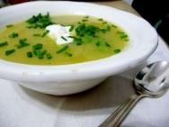 Sopa de puerro y cebolla