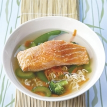 Receta de Sopa de salmón y jóvenes verduras