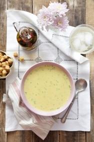 Sopa fría de pepino al curry