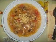 Sopa minestrone de arroz e hígado
