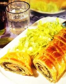 Strudel de espinacas, jamón y queso