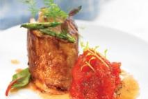 Taco de pluma ibérica con confitura de tomate y romero
