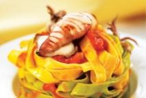 Receta de Tagliatelle con salsa arrabbiata y calamarcitos a la plancha