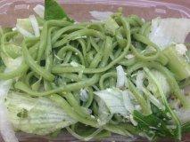 Tallarines en salsa verde