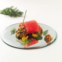 Tarta de sandía fashion, salmón y aguacate
