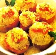 Tomates rellenos de arroz con salsa al curry