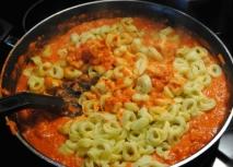 Tortellini en salsa picante