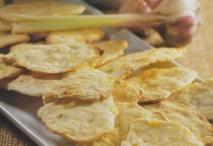 Tortitas de pimiento y ajos tiernos